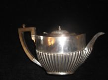 ANTIQUE SILVER 1912 SHEFFIELD MAPPIN & WEBB RIBBED TEAPOT WOOD HANDLE